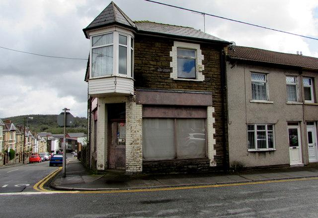 Derelict former shop on a Bargoed corner