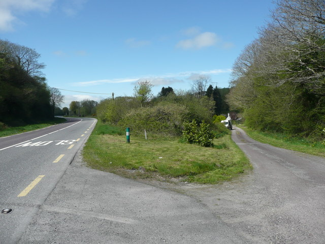 Junction of modern and old roads near Banemore