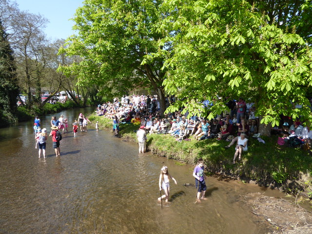 Crowds in Clun awaiting the Clun Green Man event