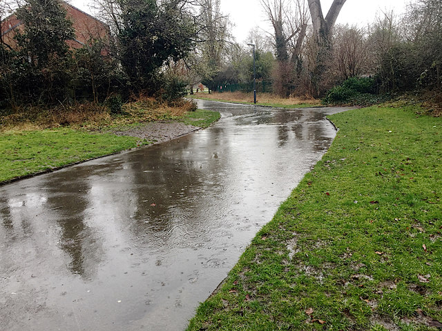Surface water in the rain, St Nicholas Park, Warwick