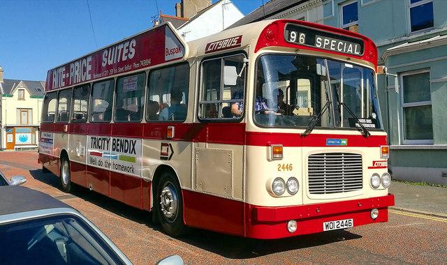 Vintage bus, Bangor
