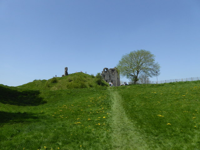 Approaching Clun Castle on May Bank Holiday