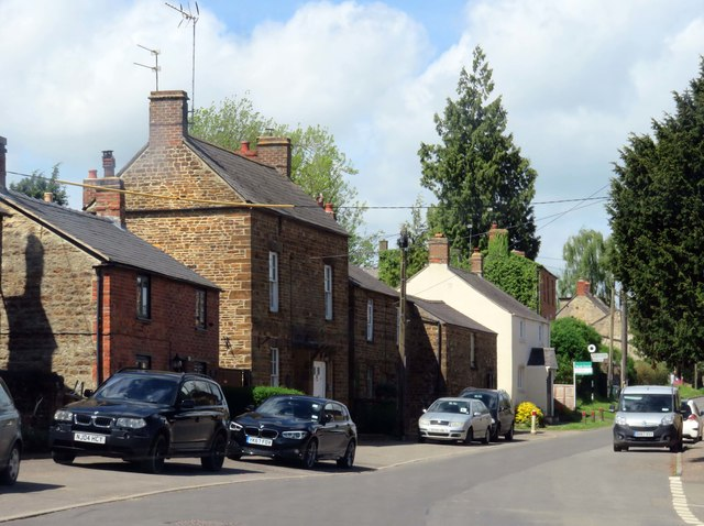 Heyford Road in Steeple Aston