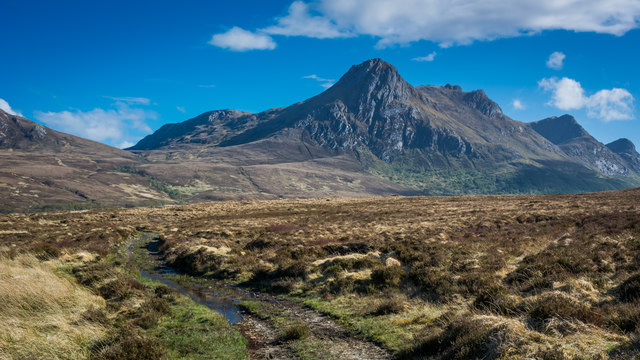 Rough track over moorland leading to Ben Loyal