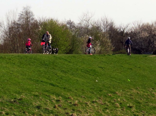 Cyclists on National Cycle Route 6