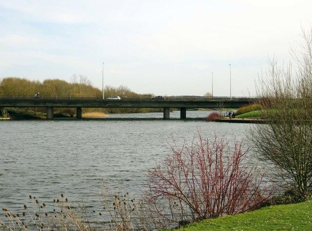 Bletcham Way crossing Caldecotte Lake