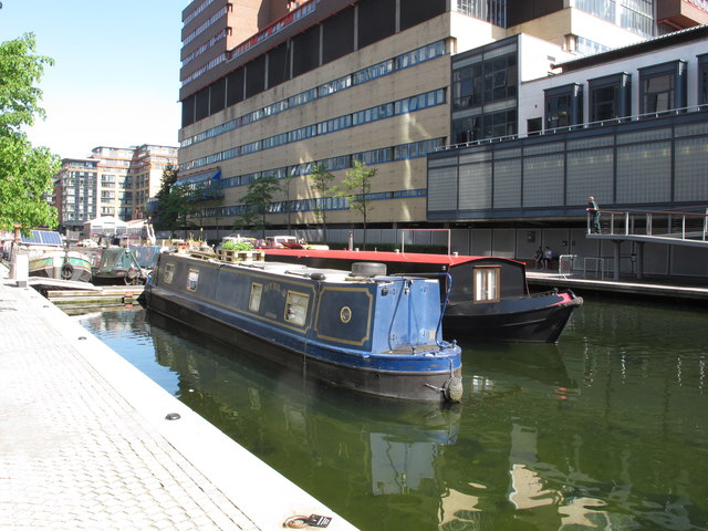 Myriad, narrowboat in Paddington Basin