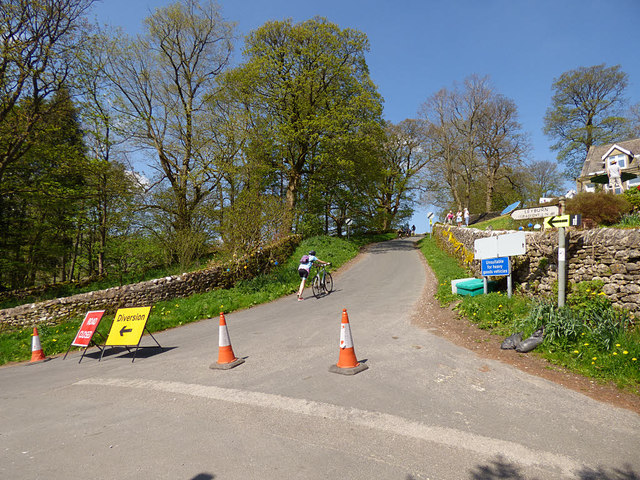 Cam Gill Road, Kettlewell closed for the Tour