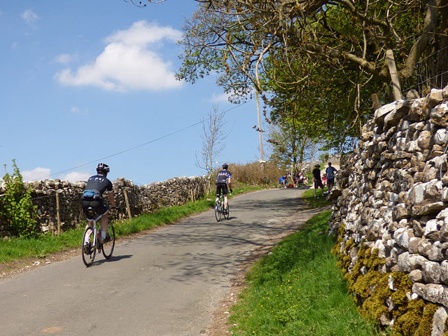 Cam Gill Road, Kettlewell - spectators starting to arrive