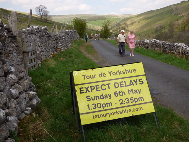 Sign warning of delays due to the Tour de Yorkshire