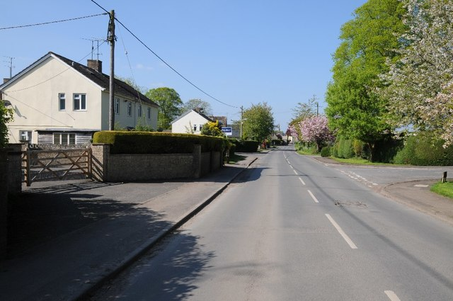 Road through Siddington