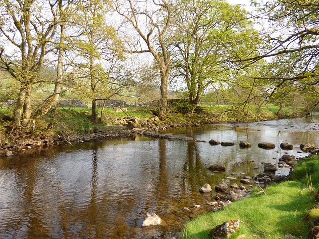 Stepping stones near Kettlewell