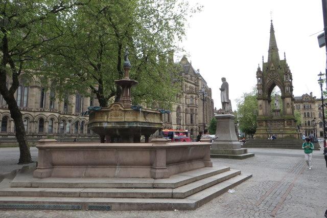 Fountain in Albert Square