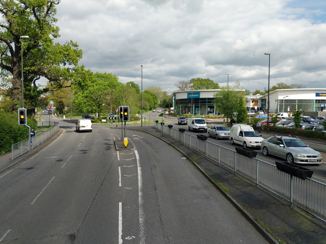 Lights and roundabout, Haslett Avenue East, Crawley