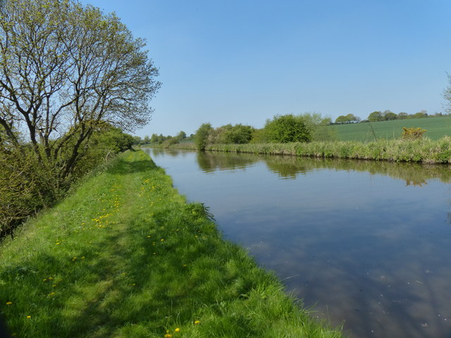 West along the Shropshire Union Canal