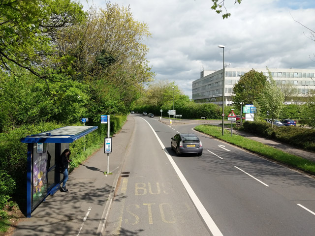 Squareabout bus stop, Haslett Avenue East, Crawley