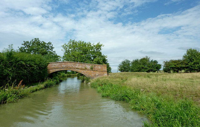 Rowdyke Bridge south-west of Barby in Northamptonshire