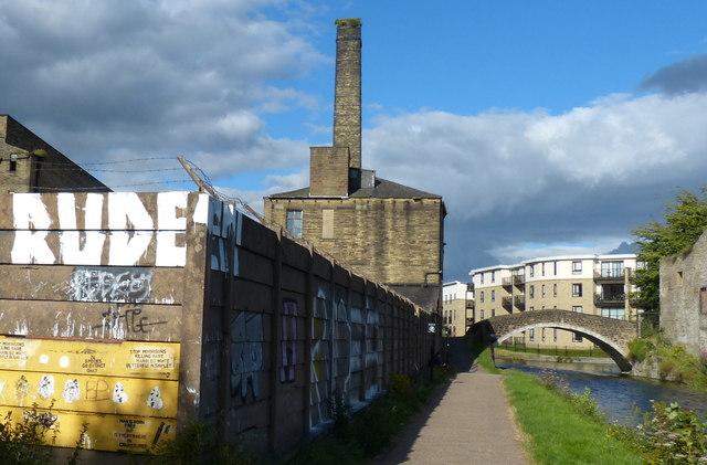 Graffiti along the canal at Shipley