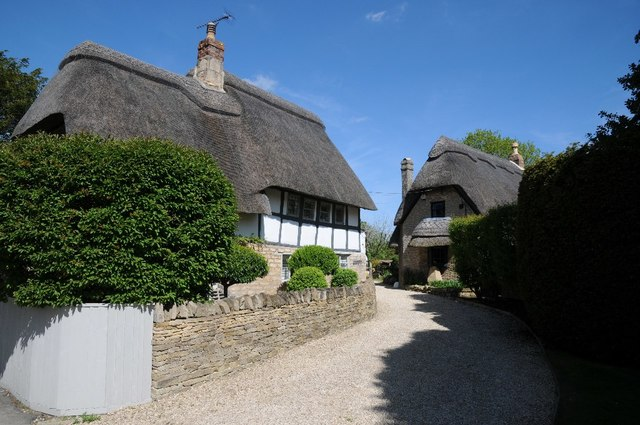 Thatched cottages in Gretton