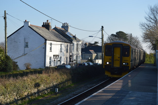 Train arriving at Gunnislake Station
