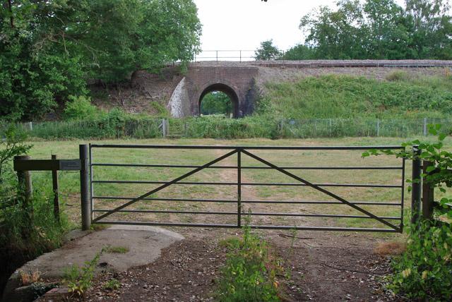 Footpath towards Tilehurst Lane