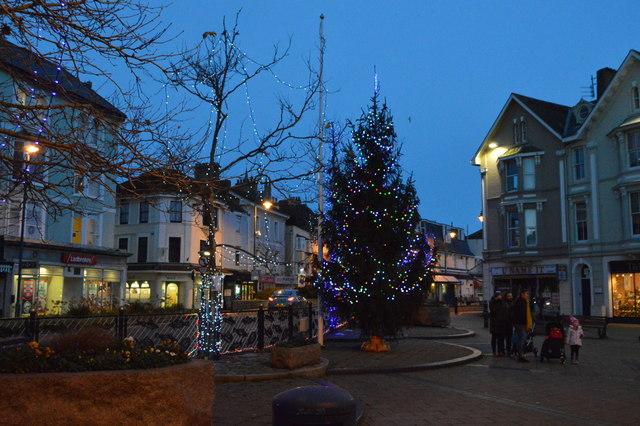 Christmas tree, Triangle Place
