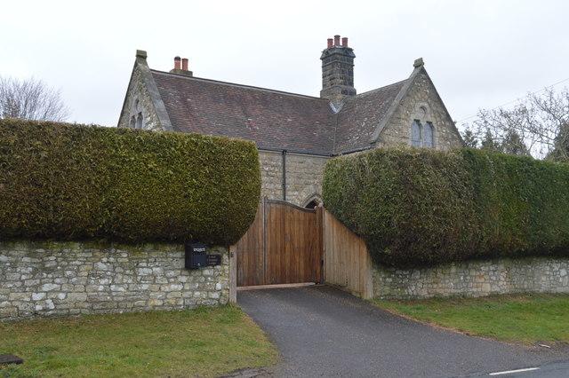 East Entrance Lodge, Kent & Sussex Cemetery