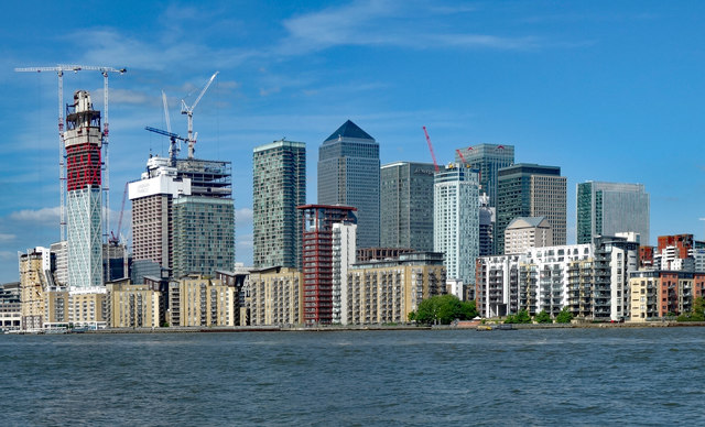 Canary Wharf : view from Greenland Dock