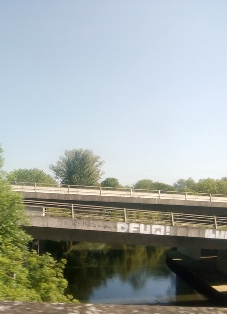 Crossing the River Loddon, from the railway