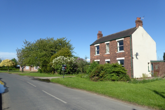 Houses on the edge of Temple Hirst