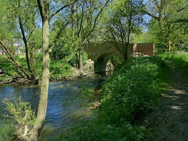 Footbridge over the Wreake near Thrussington Mill
