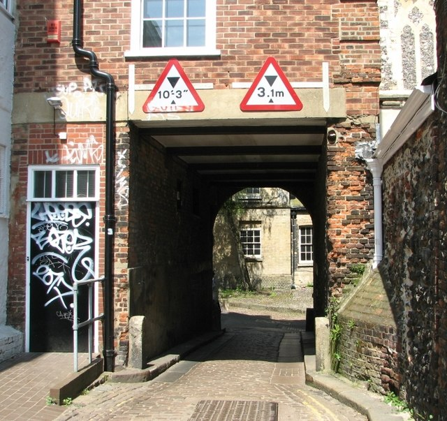 Passageway for carriages
