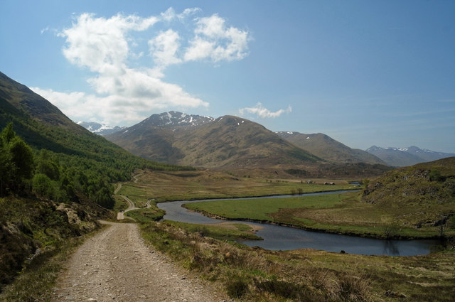 Descending to Athnamulloch on the Affric Kintail Way