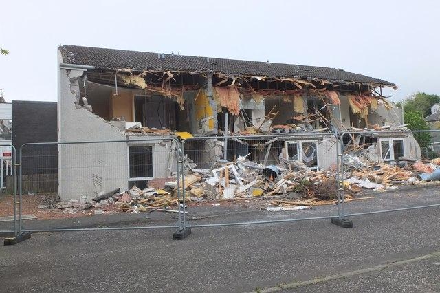 Demolition of Tweedbridge Court, Peebles (4)