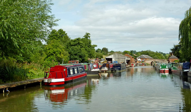 Grand Union Canal approaching Braunston Locks, Northamptonshire