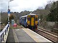 NS4959 : Train leaving Barrhead station by Thomas Nugent