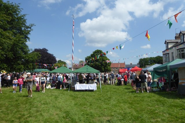 Stalls on the green