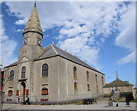 NJ9967 : Fraserburgh old parish kirk by Bill Harrison