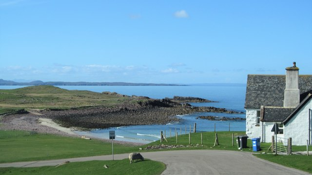Down the hill to Stoer Bay