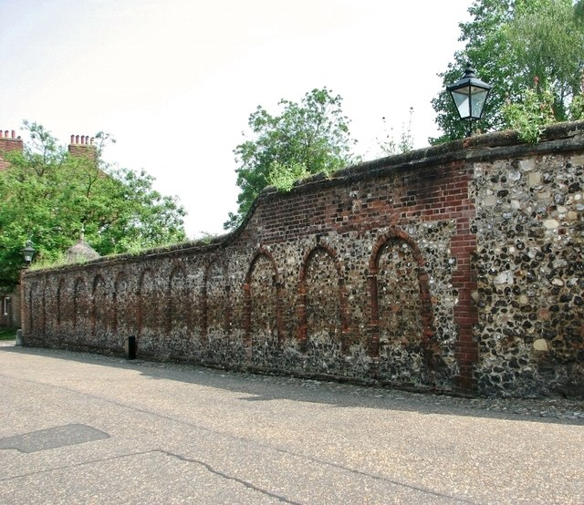 Scheduled garden wall in the Norwich Cathedral Close