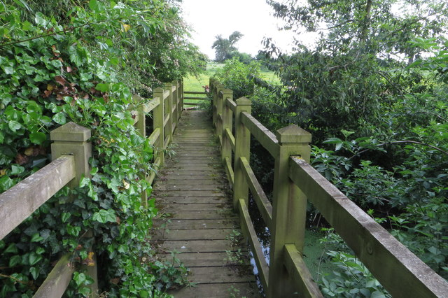 Footbridge on the path going south
