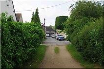 SP3103 : Cheyne Lane, Bampton, Oxon by P L Chadwick