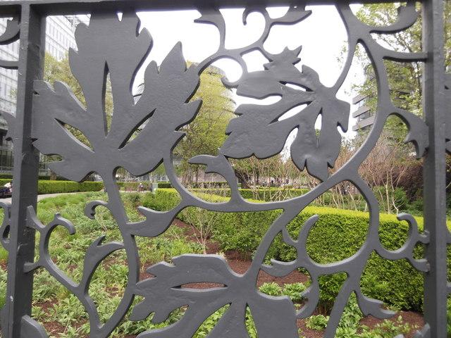 Gate detail, Potters Fields Park, Tooley Street SE1