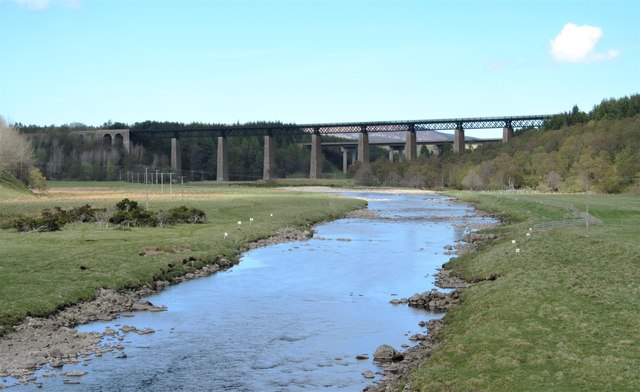View downstream from Findhorn Bridge