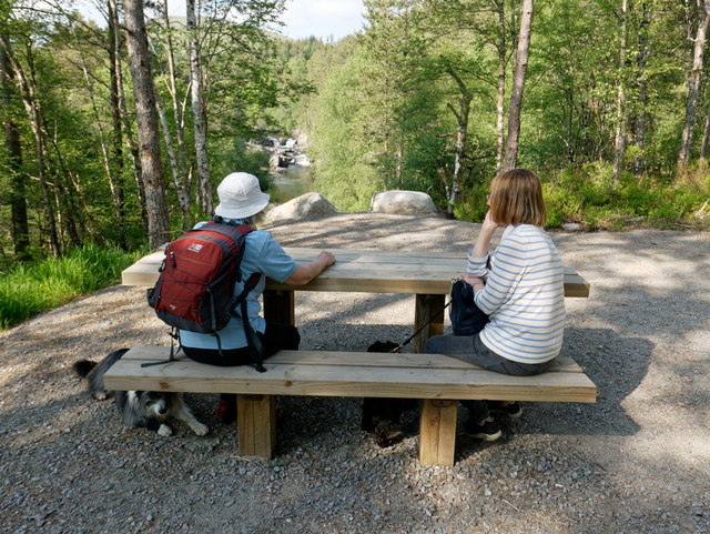 Picnic table at a Silverbridge viewpoint