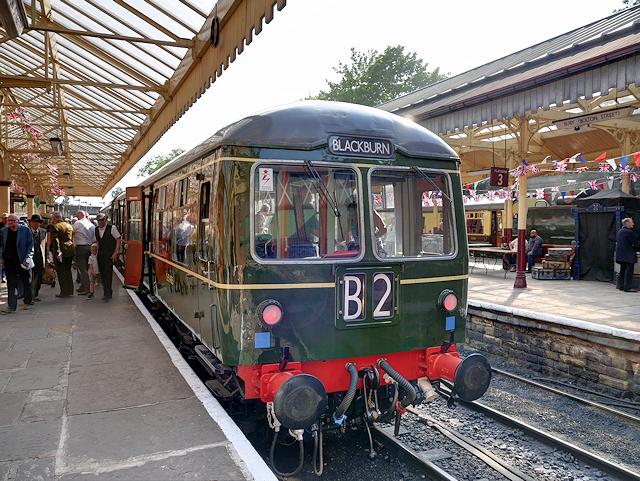 Cravens Class 105 DMU at Bolton Street Station