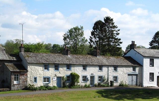 Cottages in Askham