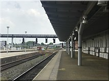 SK3635 : Looking south down platform 1a at Derby station by Jonathan Hutchins