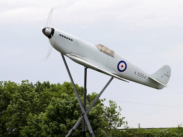 Spitfire Sculpture, Southampton Airport © David Dixon