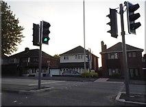 SO9289 : Pedestrian crossing on Stourbridge Road, Dudley by David Howard
